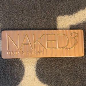 Naked 3 Pallet
